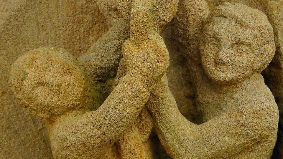 Les atouts de la terre dans la sculpture