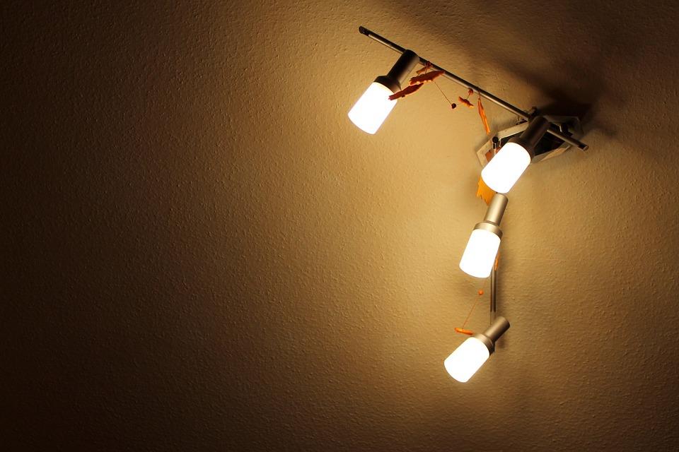 3 astuces pour peindre votre plafond