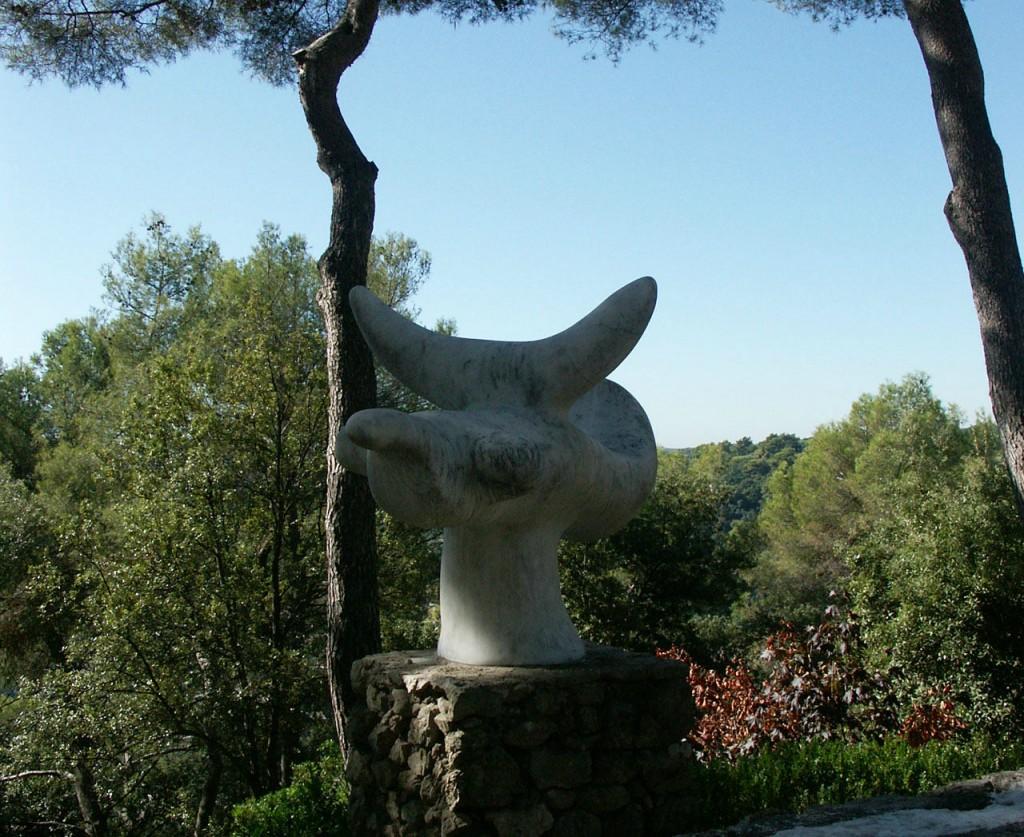 L'Oiseau Solaire de l'artiste Joan Miró.
